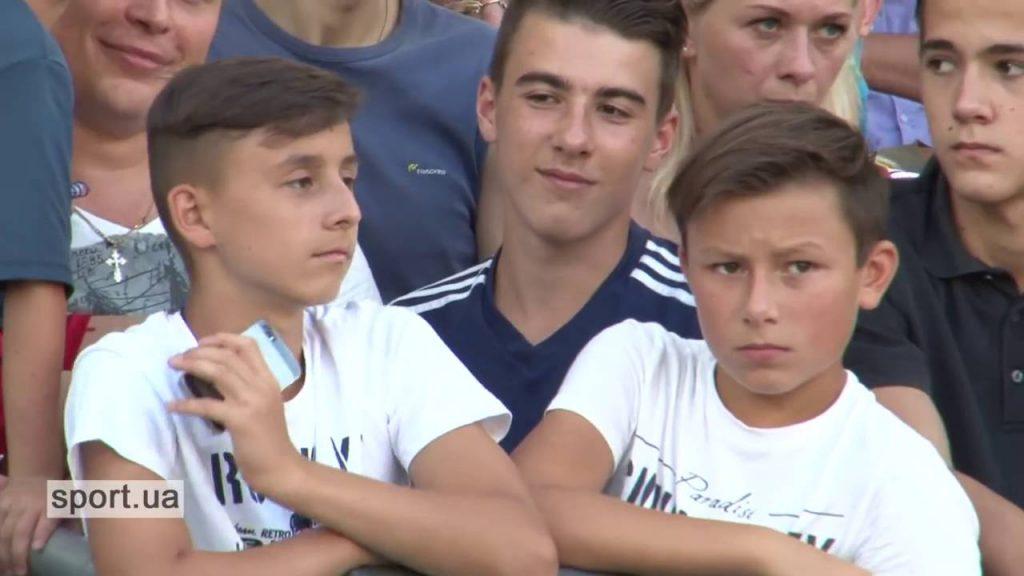 Свято для дітей на головній футбольній арені країни
